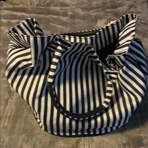 Giant Black/white bag great 4 beach/overnight bag